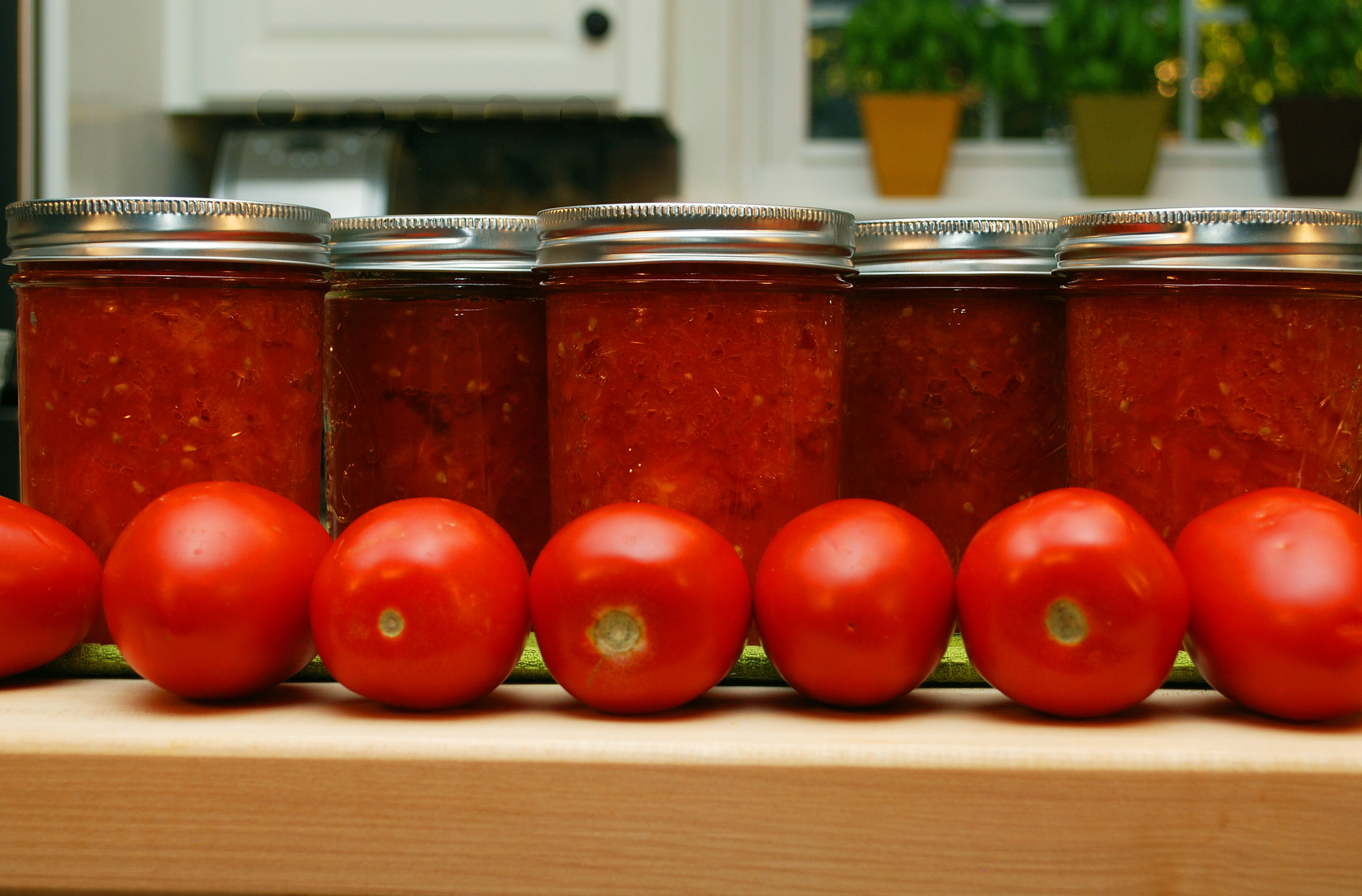 Canning Crushed Tomatoes Growing A Greener World