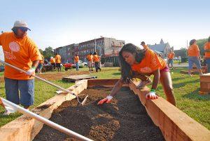 Fiskars, Project Orange Thumb Volunteers