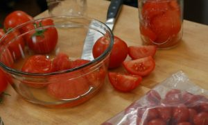freezing tomatoes