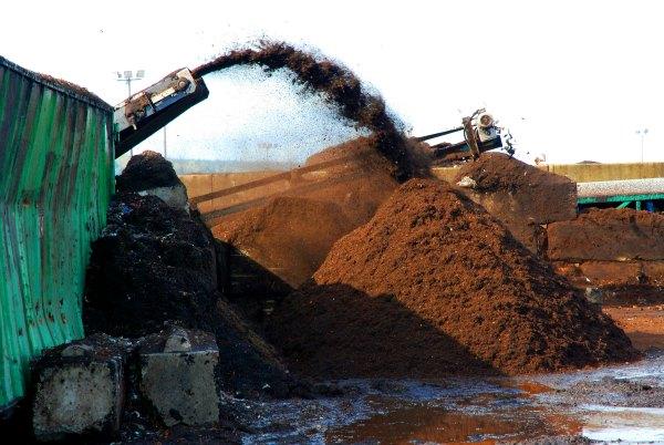 Commercial-Composting-GrowingAGreenerWorld.com
