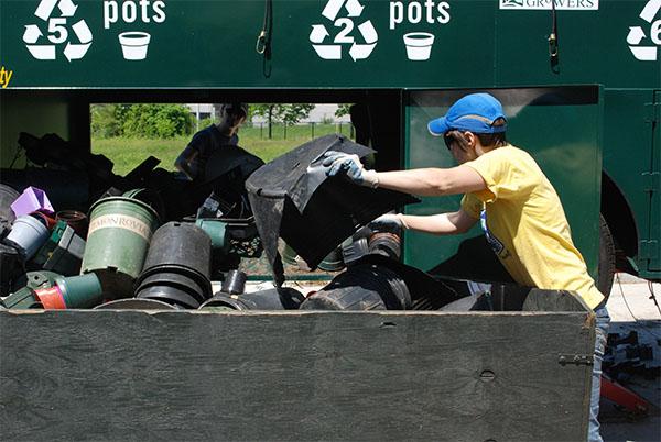 Talking Trash pot recycling