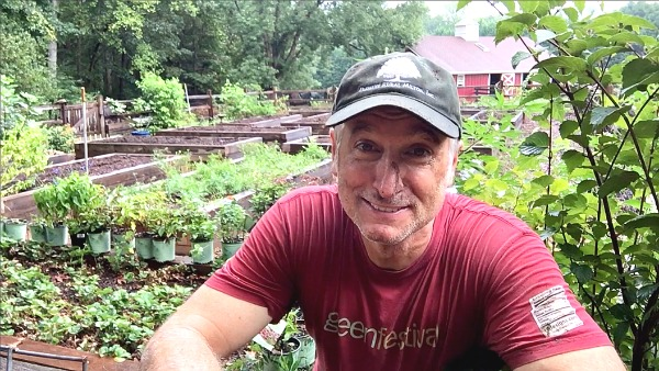 Growing A Greener World-Host Joe Lamp'l behind the scenes